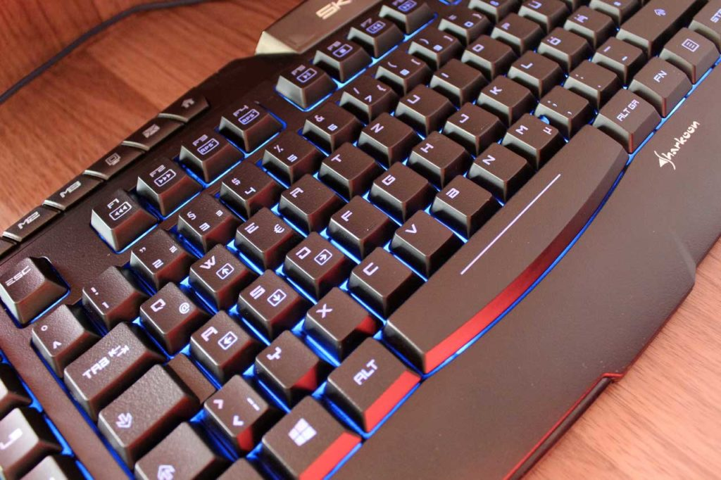 sharkoon-skiller-pro-gaming-tastatur